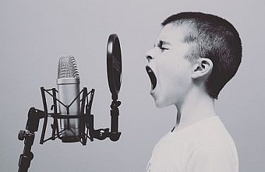 negative-space-microphone-boy-studio-screaming-free-photos